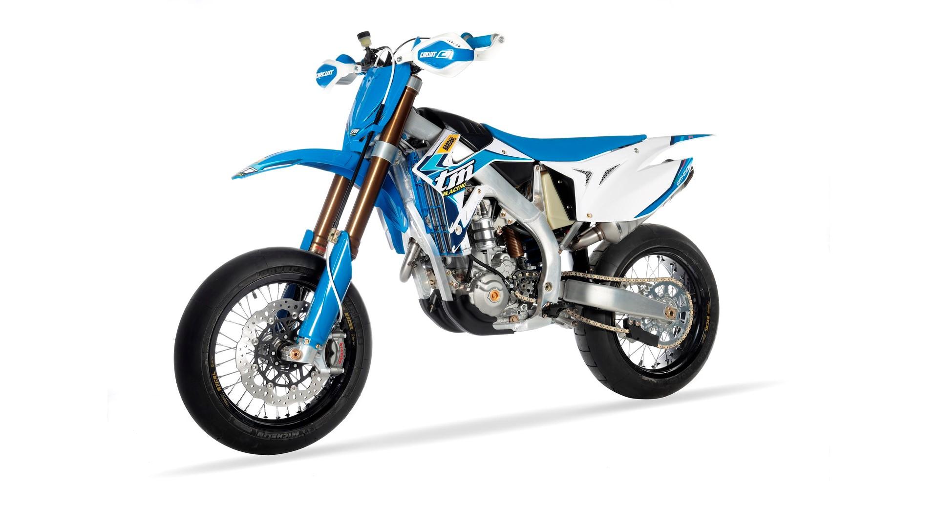 SMX 450 Fi 4T 02